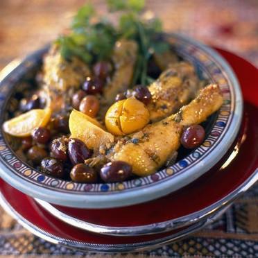 tajine-de-poulet-aux-citrons-confits-et-aux-olives