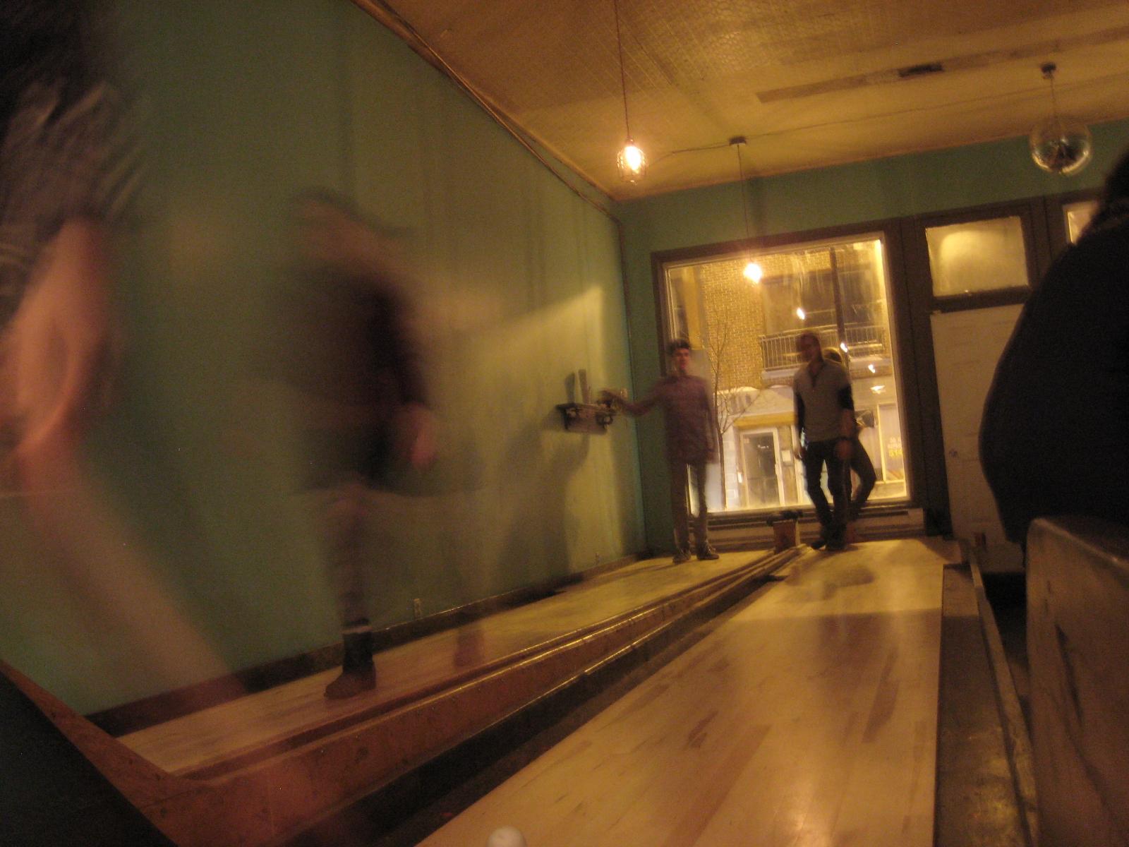 notre dame des quilles montreal bowling la bouche pleine